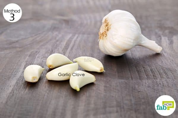 use garlic for skin and teeth-to treat oral thrush