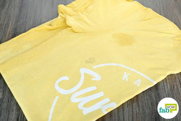 clean food grease stains from clothes by using Coke