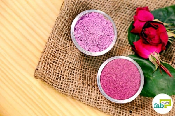 final make DIY Holi colors using natural ingredients
