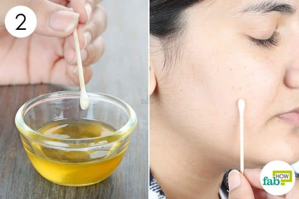 apply and use lemon to get rid of dark spots with honey