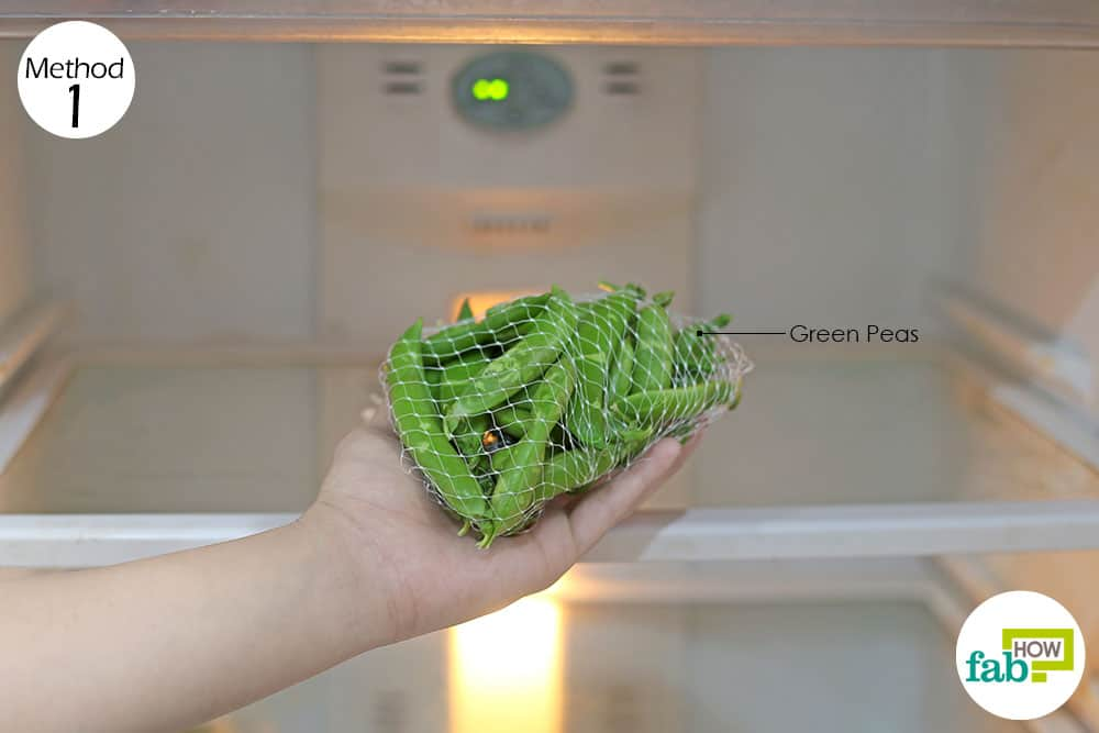 place the pea pods in a mesh bag in the fridge to store peas