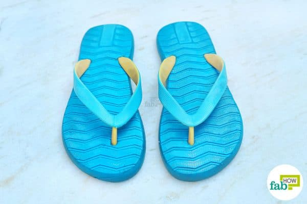 final to clean flip flops with baking soda