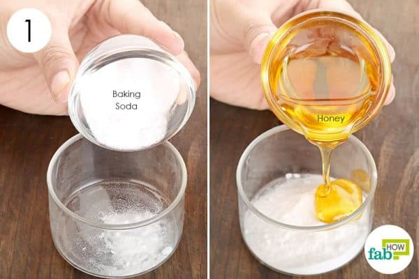 Combine baking soda and honey for acne