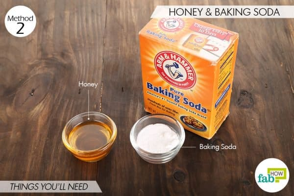things you'll need to use baking soda and honey for acne