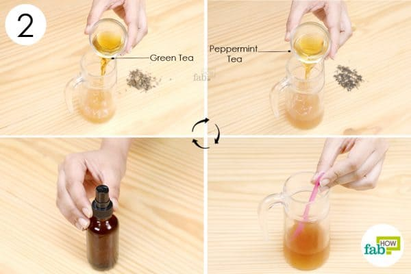 pour green tea and peppermint tea into the jar