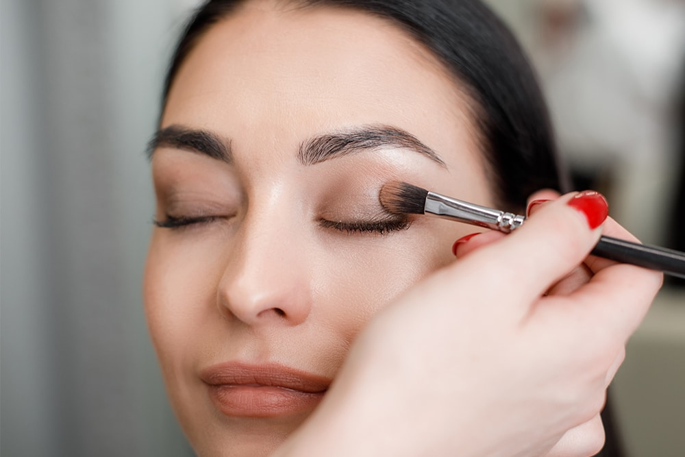 DIY 3-Ingredient Eyeshadow Primer Recipes