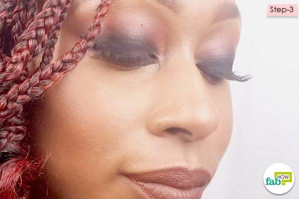 blend the eyeshadow